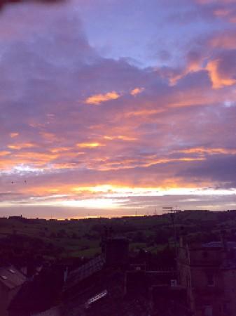 Dawn in Holywell Green